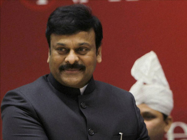 Chiranjeevi all set to act in Kaththi telugu remake
