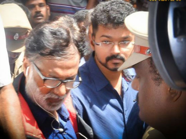 Vijay pays tribute to Manorama achi