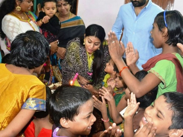Sneha celebrates birthday with physically challenged children