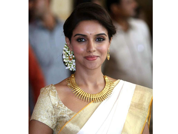 Asin's explanation on her marriage