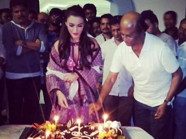Rajini cuts Christmas cake at 2.O sets