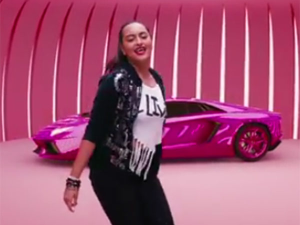 Sonakshi sinha debut song aaj mood ishqholic with uc browser