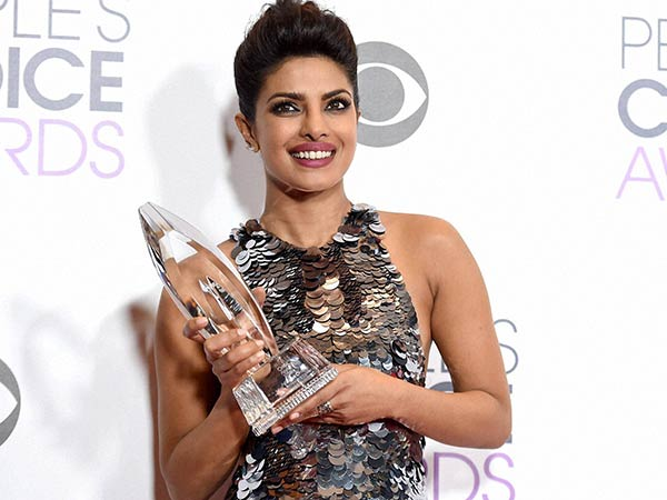 Priyanka Chopra won People's Choice Awards 2016 For Quantico Series