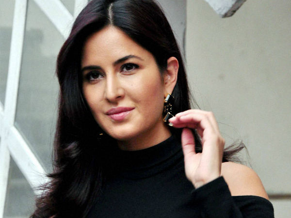 What does Neetu Kapoor tell Katrina's mom?
