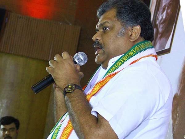 GK Vasan releases Kamaraj movie DVD