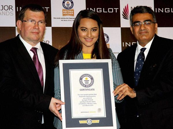 Sonakshi Sinha is now on Guinness Book of Records for weird reason