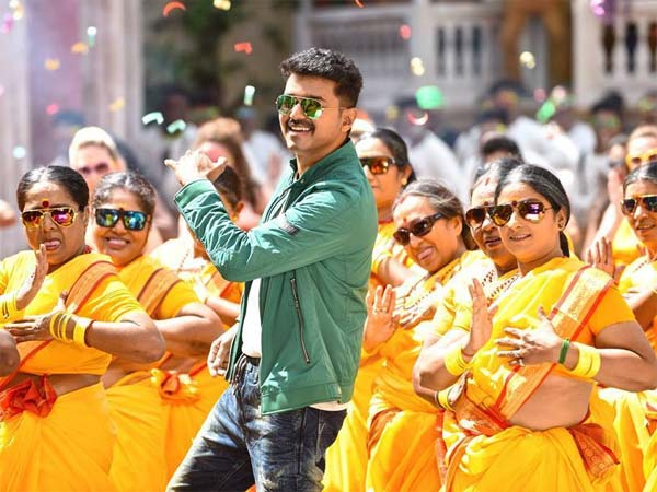 Vijay's sweet shock to Malayalam fans