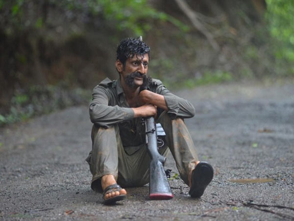 Villathi Villain Veerappan review