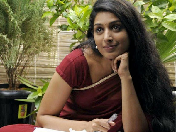 Padmapriya goes to Bollywood