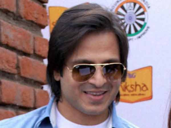 I will definitely watch Sultan says Vivek Oberoi