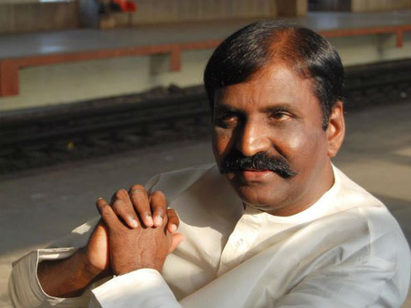 Vairamuthu blames new lyricists