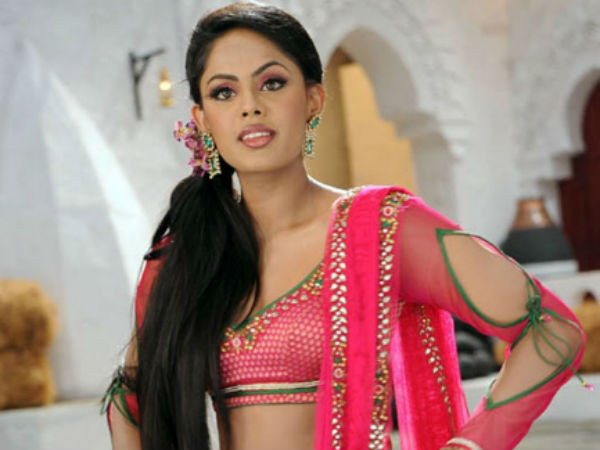 Karthika enters small screen
