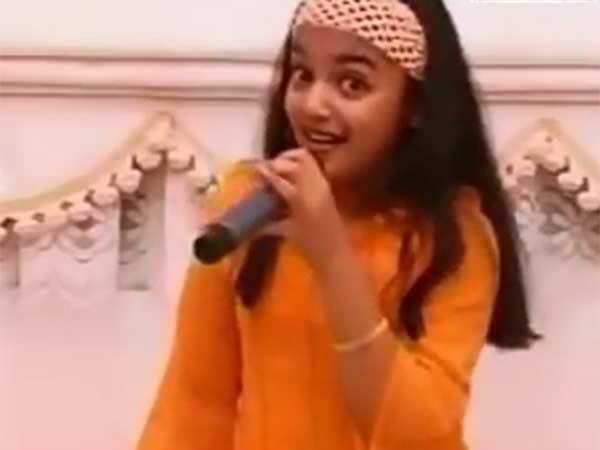 வைரல் வீடியோ: கொனட்டி கொனட்டி பாடும் இந்த சிறுமி எந்த நடிகை என்று தெரியுதா?
