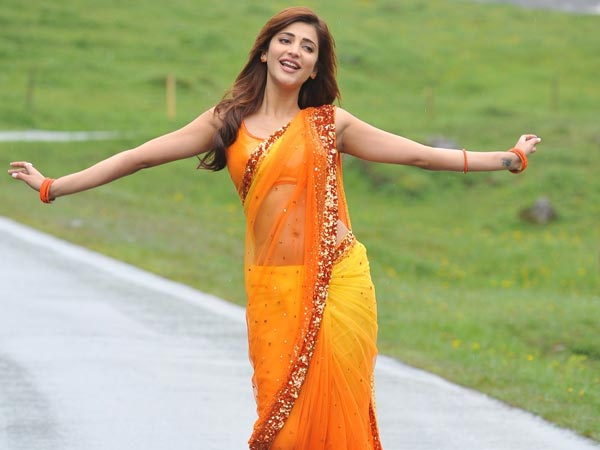 Shruthi to be paired with Hollywood actor