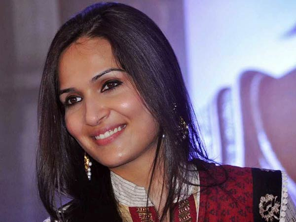 Rajini, Latha: Soundarya's reason to smile everyday