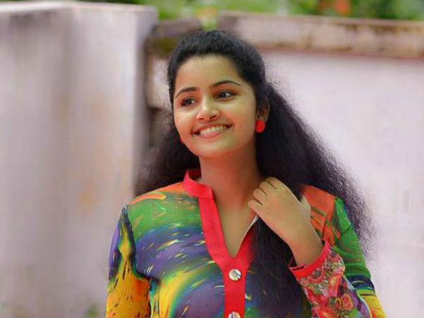 கொடி மூலம் தமிழுக்கு வரும் நஸ்ரியாவின் ஜெராக்ஸ் அனுபமா பரமேஸ்வரன்!