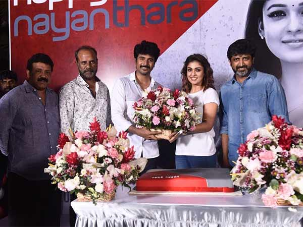 Nayanthara celebrates birthday at Sivakarthikeyan movie set