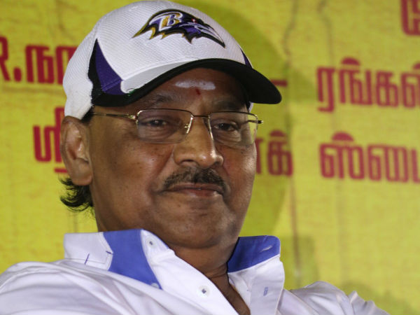 Bagyaraj turns villain in Thupparivaalan
