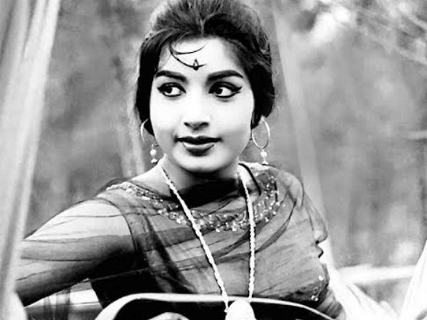 ரஜினி ஜோடியாக பில்லா படத்தில் நடிக்க மறுத்த ஜெயலலிதா