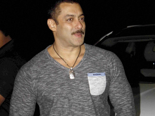 Aamir scares guests at Salman Khan's bash