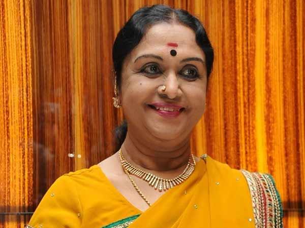 ஜெயலலிதா ஒரு பெரிய தெய்வம், தேவதை: நடிகை சரோஜா தேவி உருக்கம்