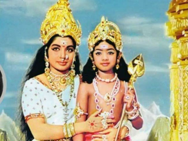 'அம்மா' மடியில் நான்: நடிகை ஸ்ரீதேவி உருக்கம்