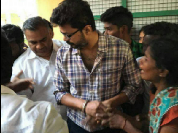 Vijay fan murdered for Rs. 250, cellphone