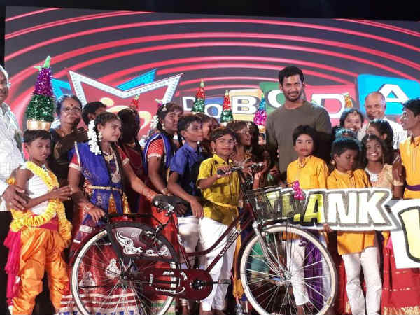 Vishal donates 35 bicyles to poor students