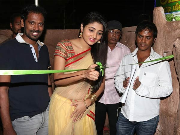 Actress Athithi Menon inaugurates 43rd exhibition