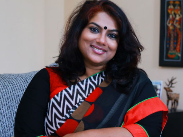 ஜல்லிக்கட்டுக்கு போராடினீங்க, சித்தப்பா அரசுக்கு எதிராக எதுவும் இல்லையா?: நடிகை ரஞ்சனி