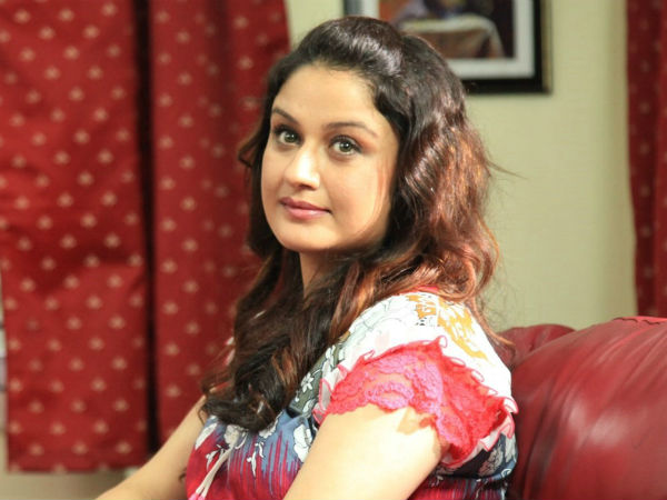 Sonia Agarwal wears police uniform again for Yavanavan