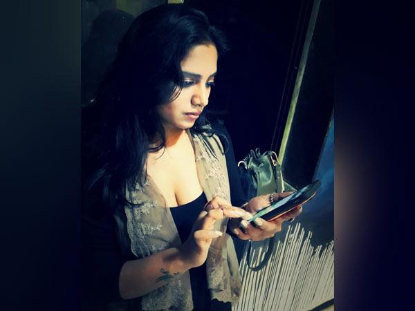 காதலருடன் உறவு கொள்வதை லைவாக காட்டப் போறேன்: நடிகை அதிரடி அறிவிப்பு