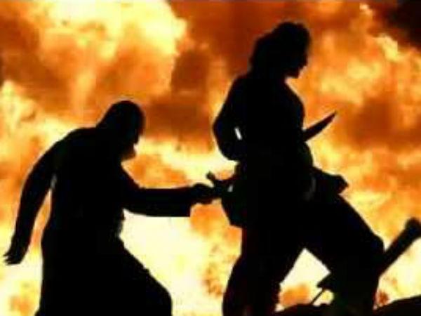 கட்டப்பா ஏன் பாகுபலியை கொன்னார்னு பார்த்துட்டு வாங்க: ஊழியர்களுக்கு 350 டிக்கெட் புக் செய்த கலெக்டர்