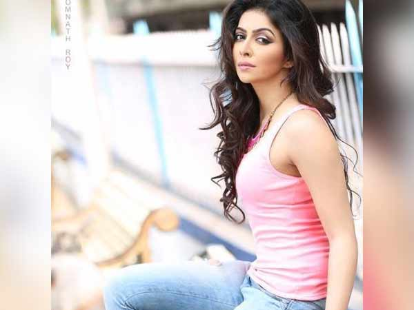 Model Sonika Singh died in Road accident