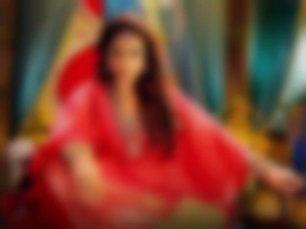 முதலில் ரசிகர் மன்றம், அடுத்து அரசியல்: சர்ச்சை நடிகையின் அடேங்கப்பா திட்டம்