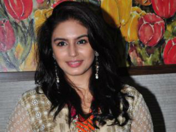 What does Huma Qureshi say about acting with Rajini?