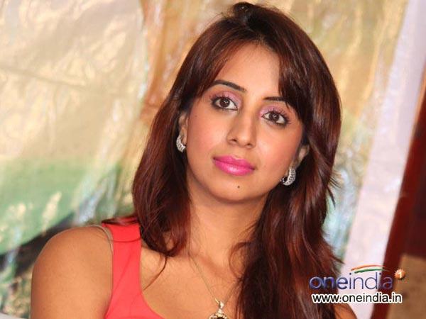 நிர்வாண வீடியோ பப்ளிசிட்டி ஸ்டண்ட்டா?: நடிகை சஞ்சனா விளக்கம்