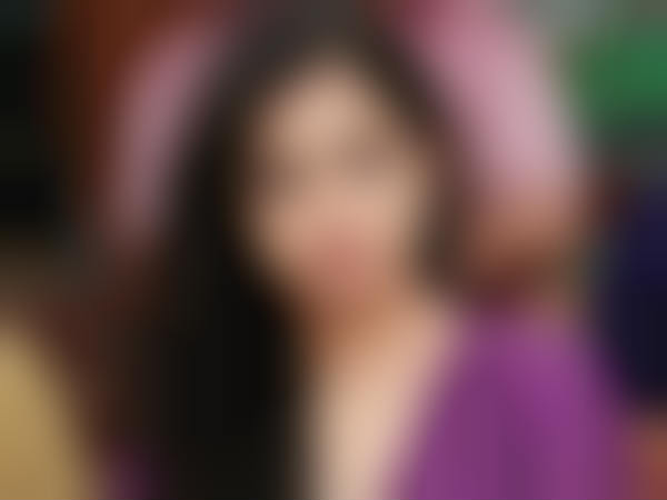 Is this actress under a hero's control?