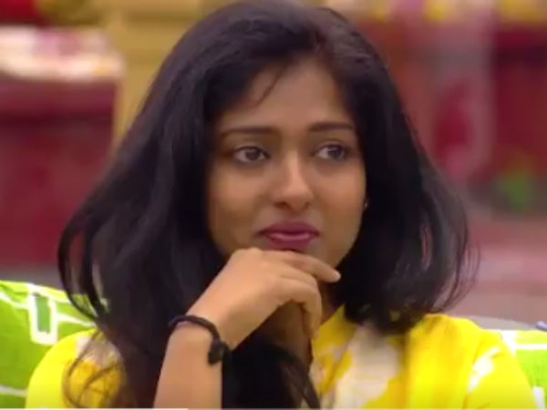 Gayathri doesn't want to stay in Big Boss house without Sakhthi