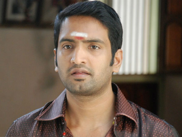 Actor Santhanam absconds
