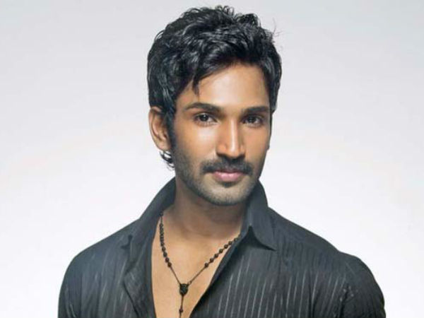 tamil cinema hero turned now as villain
