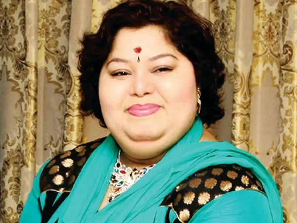 ஃபேஸ்புக், வாட்ஆப்பே கதின்னு இருக்கிறீர்களா?: நடிகை ஆர்த்தி சொல்வதை கேளுங்க
