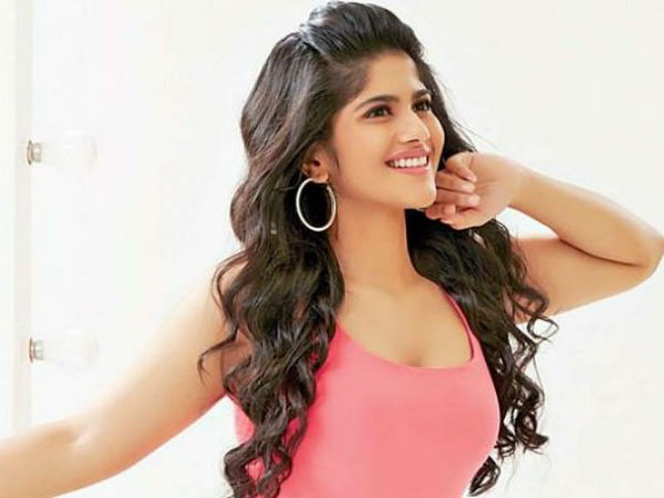 Mekha akash committed in new tamil film