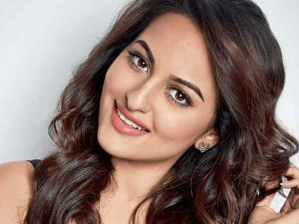 Sonakshi fears to come Tamil cinema