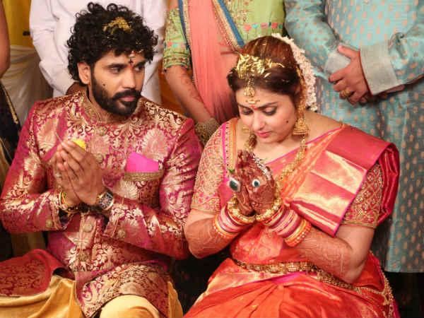 பிக் பாஸ் வீட்டில் இருந்து வெளியேற்றப்பட்ட அன்று நமீதா வாழ்க்கையில் நடந்த முக்கிய சம்பவம் 05-1512460979-namith-wedding7