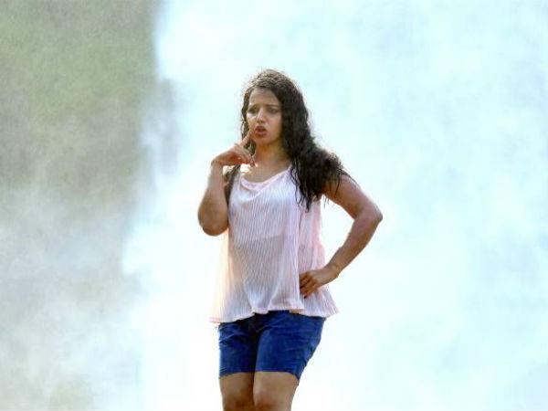 இயக்குனருடன் மல்லுக்கட்டிய நடிகை: 1 மணிநேரம் படப்பிடிப்பு நிறுத்தம்