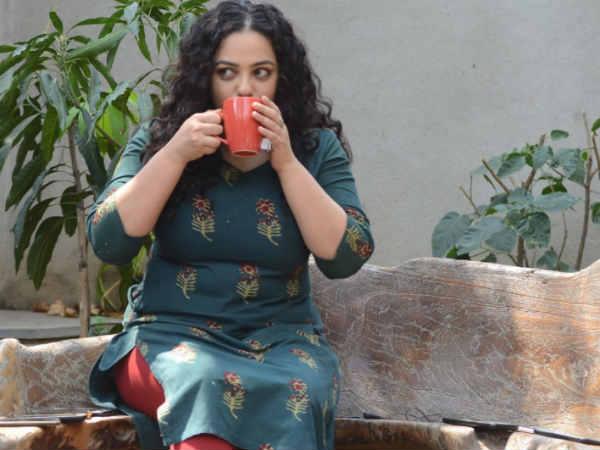 மெர்சல் ஐஸா இது?: தொப்பை போட்டு, குண்டான நித்யா மேனன்