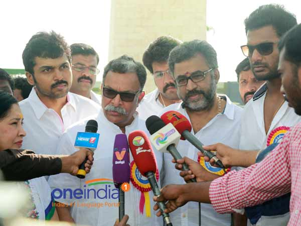 South indian film actors association decides to do protest for cauvery