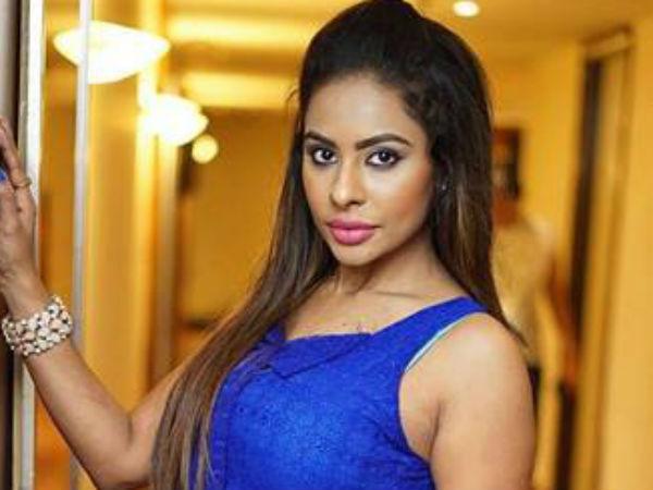 நடிகைகளை வைத்து விபச்சாரம்: திடுக்கிடும் தகவலை வெளியிட்ட ஸ்ரீ ரெட்டி