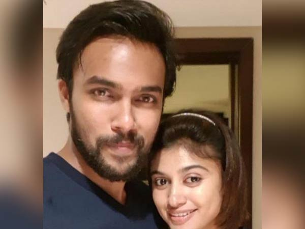 Oviya - Aarav dating pics goes viral